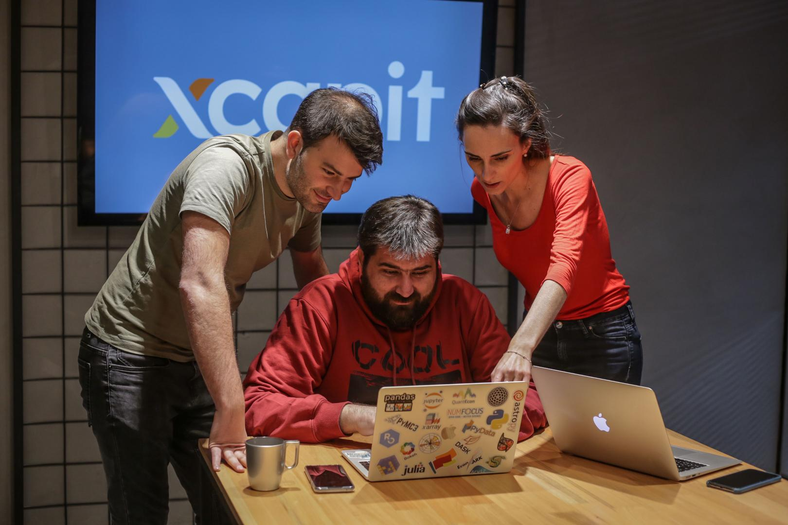 Xcapit celebra su llegada a México regalando 16.921 NFTs en colaboración con Gustavo Abascal